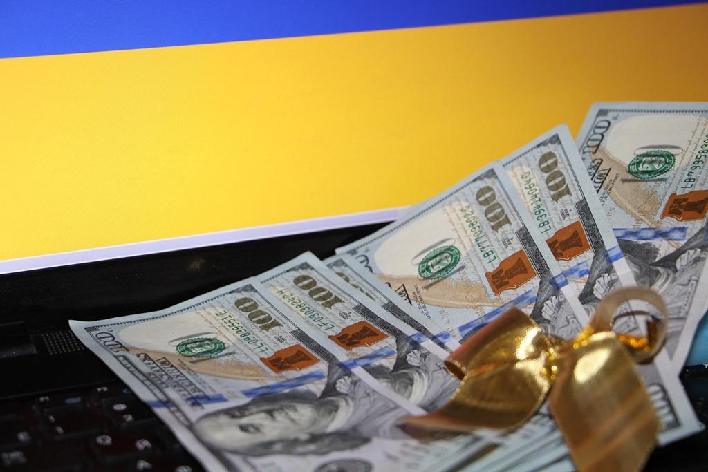 Как заработать деньги в интернете без вложений в украине ставки на спорт россия легальные